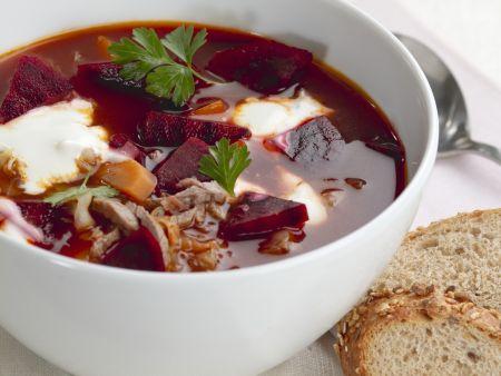 Rote-Bete-Suppe mit Rindfleisch (Borschtsch)