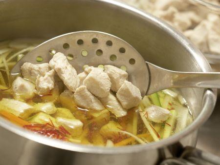 Safran-Gemüse-Suppe: Zubereitungsschritt 8