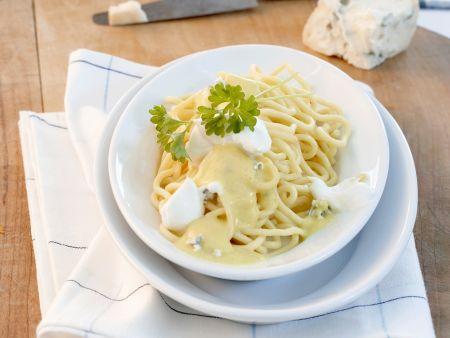 Safranpasta mit Käsesoße