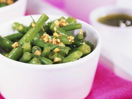 Salat aus grünen Bohnen, Sesam und Koriander