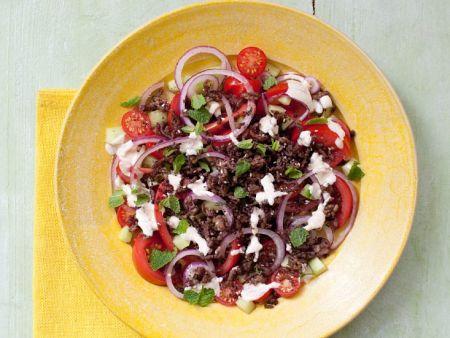 salat mit hackfleisch tomaten gurke und sumach rezept eat smarter. Black Bedroom Furniture Sets. Home Design Ideas