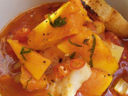 Scharfe Fischsuppe mit Süßkartoffeln