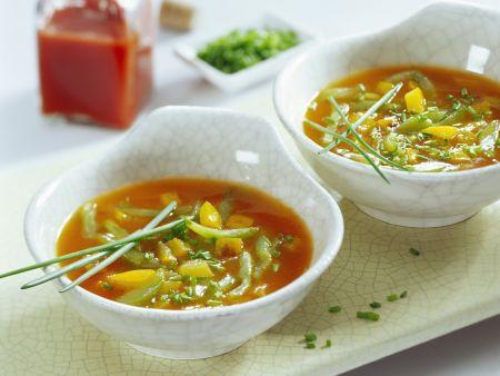 Scharfe Gurken-Paprika-Suppe