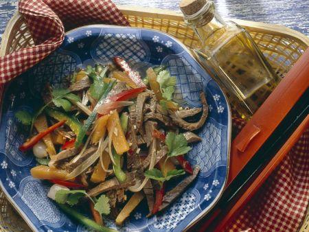 Scharfer Rindfleisch-Gemüsesalat