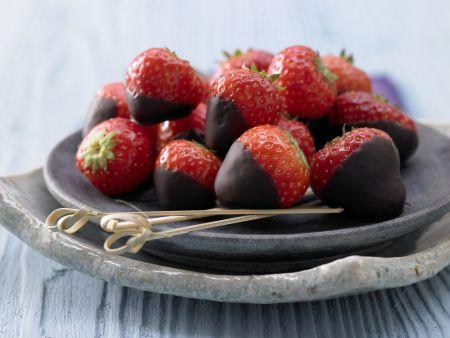 Schoko-Erdbeeren mit Kardamom