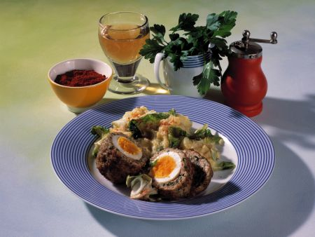 schottische eier mit stampfkartoffeln rezept eat smarter. Black Bedroom Furniture Sets. Home Design Ideas