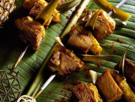 Schweinefleisch-Ananansspieße
