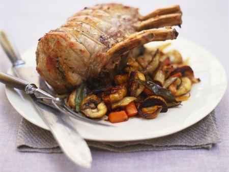 Schweinekarree mit Maroni und Karotten
