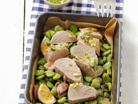 Schweinelende mit Dicken Bohnen und grüner Soße