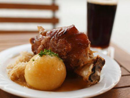 Schweinshaxe mit Kartoffelknödel