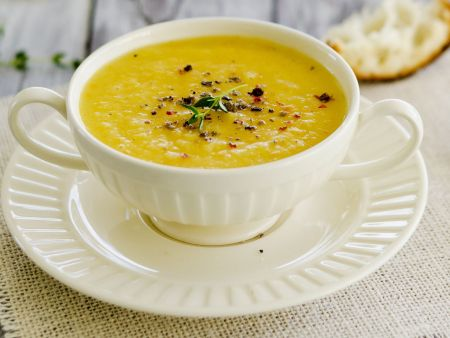 Ingwer-Sellerie-Suppe