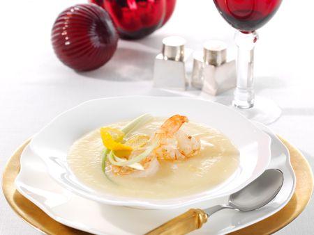 Sellerie-Orangen-Suppe mit Ingwer-Garnelen