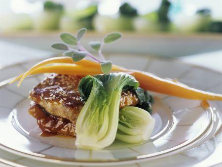 Sesam-Fleisch mit Sojasoße und Pak Choy