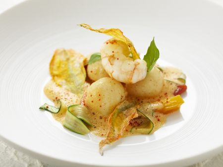 Shrimps-Grießknödel mit Gemüse