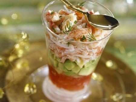 Shrimps mit Avocado und Tomatensoße