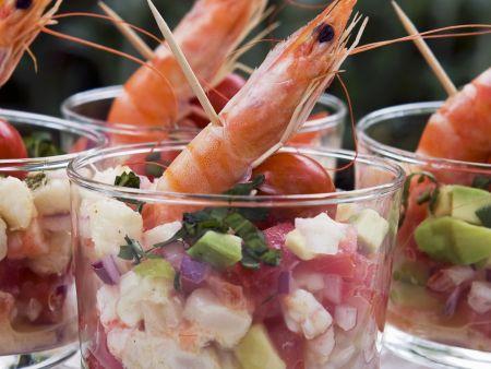 Shrimpscocktail mit Avocado und Tomate