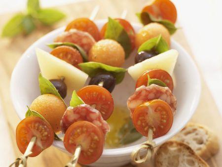 snack spie e mit tomaten k se wurst und melone rezept eat smarter. Black Bedroom Furniture Sets. Home Design Ideas