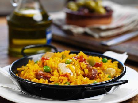 spanische reispfanne mit h hnchen paella rezept eat smarter. Black Bedroom Furniture Sets. Home Design Ideas