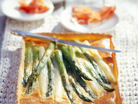 Spargel-Parmesan-Tarte