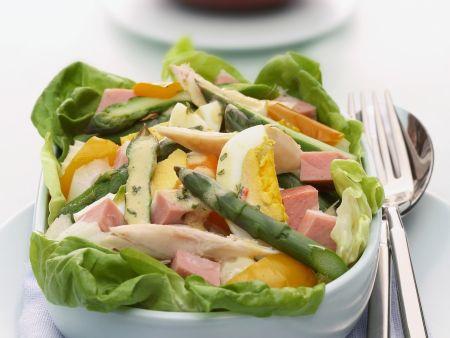Spargel-Schinken-Salat mit Ei und Senfvinaigrette