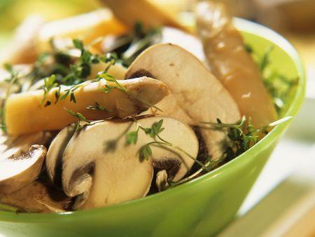 Spargelsalat mit Champignons