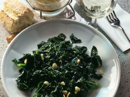 Spinat mit Knoblauch und Zitronensaft