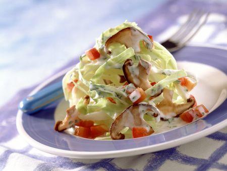 Spitzkohl-Shiitake-Salat