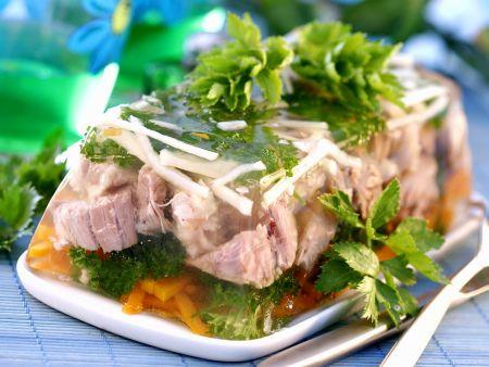 Sülze mit Gemüse und Kalbfleisch