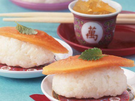 Süßes Sushi aus Milchreis, dazu kandierter Ingwer