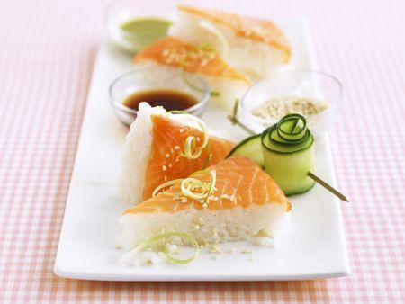 sushi ecken mit lachs rezept eat smarter. Black Bedroom Furniture Sets. Home Design Ideas