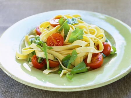 Tagliatelle mit Tomaten