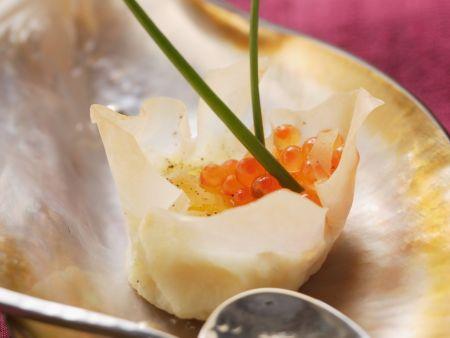 Teigkörbchen mit Wachtelei und Forellenkaviar (Wan Tan Teig)