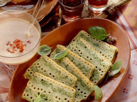 Terrine mit Brokkoli und Makkaroni dazu Tomatendip