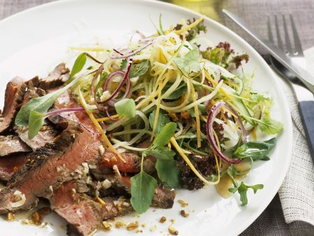 Thai-Salat mit Rindfleisch