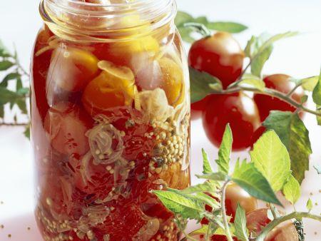 Tomaten in Essig-Marinade