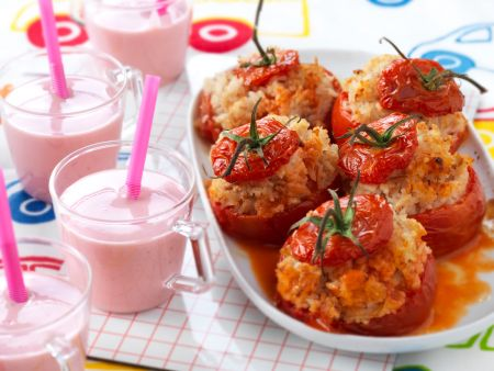 Tomaten mit Reis gefüllt