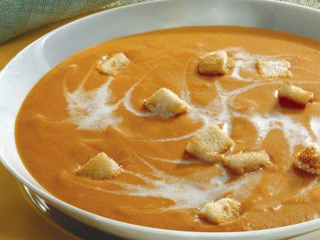 Tomatencremesuppe mit Croutons