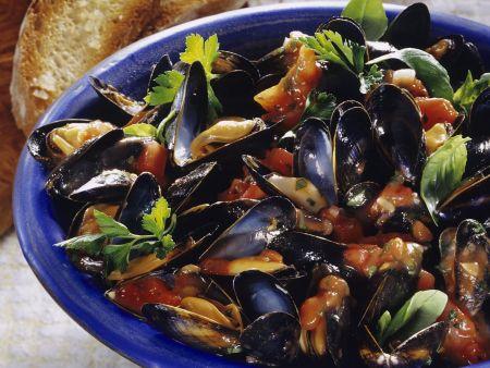 Tomatensauce mit miesmuscheln rezept eat smarter - Miesmuscheln kochen ...