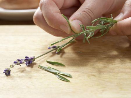 Tomatensuppe mit Lavendel: Zubereitungsschritt 1