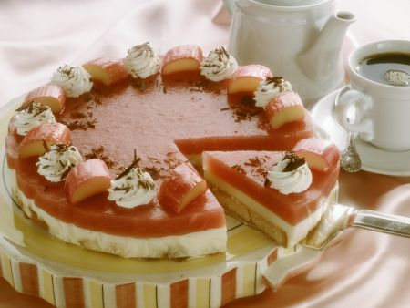 Torte mit Rhabarbercreme