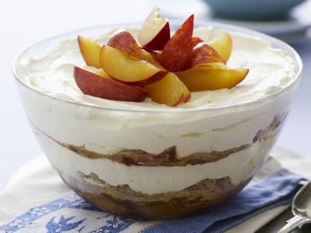Trifle mit Pflaumen