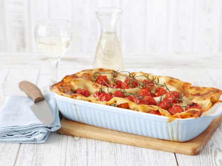 vegetarische lasagne mit kirschtomaten rezept eat smarter. Black Bedroom Furniture Sets. Home Design Ideas