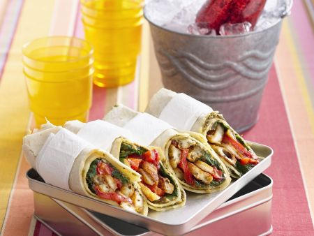 Vegetarische Wraps mit Paprika und Halloumi