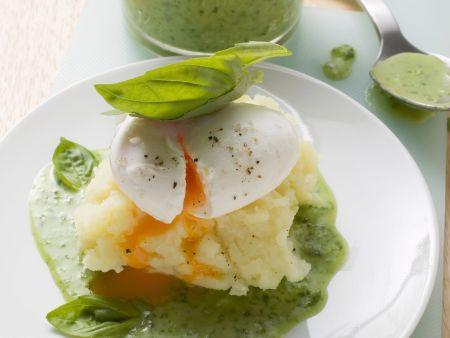 Verlorene eier mit basilikumso e rezept eat smarter - Eier kochen mittel ...