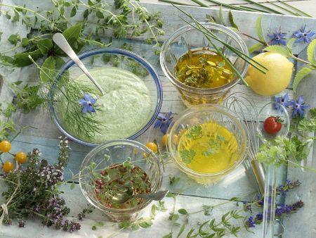 Verschiedene Salatdressings