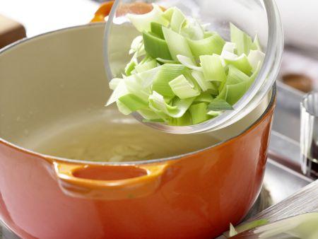 Vollkorn-Spaghetti mit Kürbissauce: Zubereitungsschritt 3