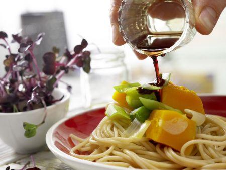 Vollkorn-Spaghetti mit Kürbissauce: Zubereitungsschritt 6