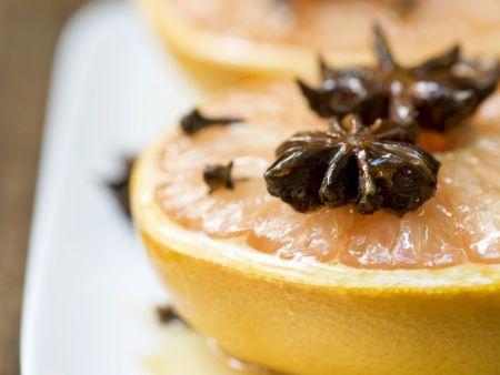 Warme Grapefruit mit Honig