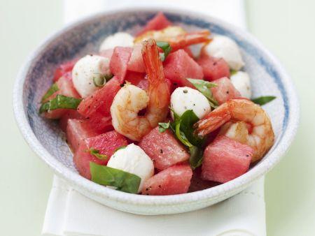 Wassermelonen-Mozzarella-Salat mit Garnelen