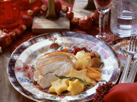 Weihnachtliche gefüllte Pute mit Gemüse und Polenta